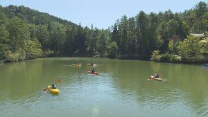池でのカヌー体験