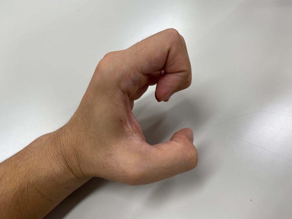 横から見た「え」の指文字