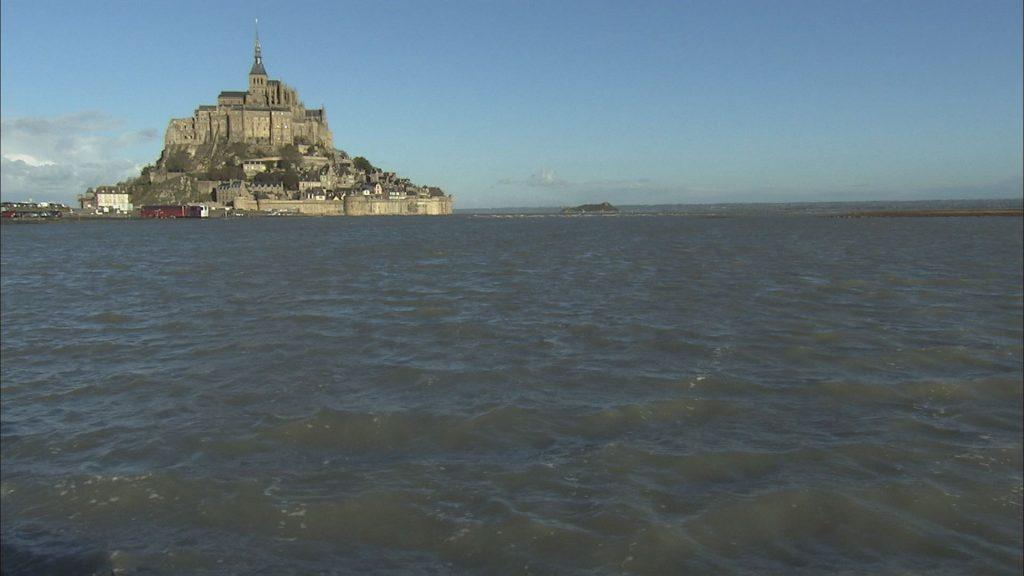 海に囲まれたモンサンミッシェル